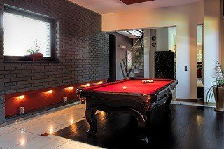 Professional pool table movers in Northampton content img1